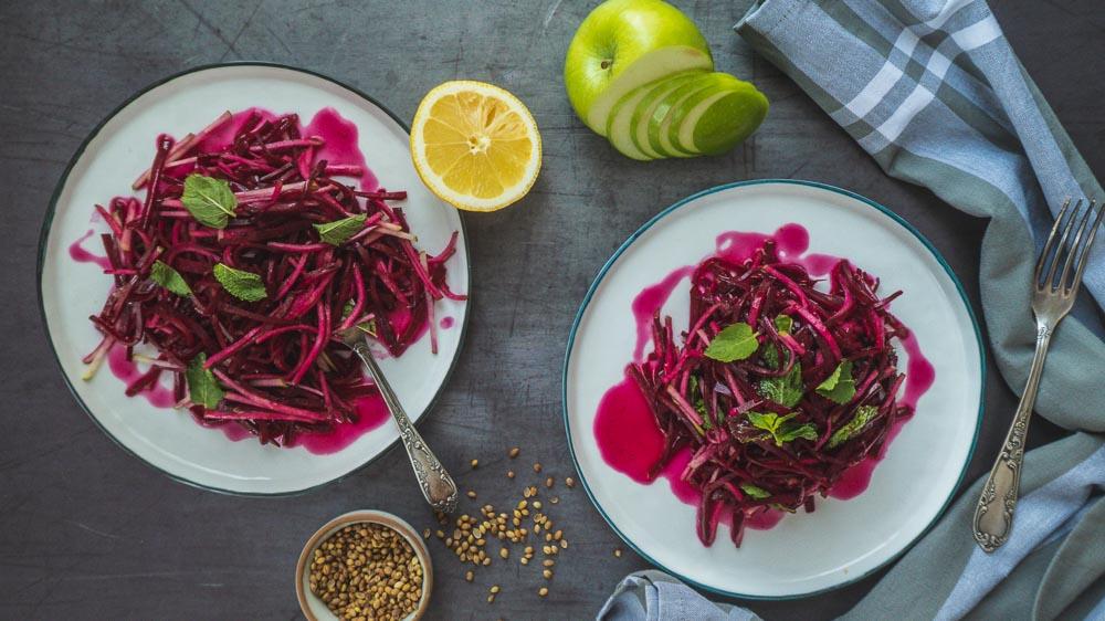 Bild von Rote Bete Salat mit Granny Smith, Minze und Sonnenblumenkernen