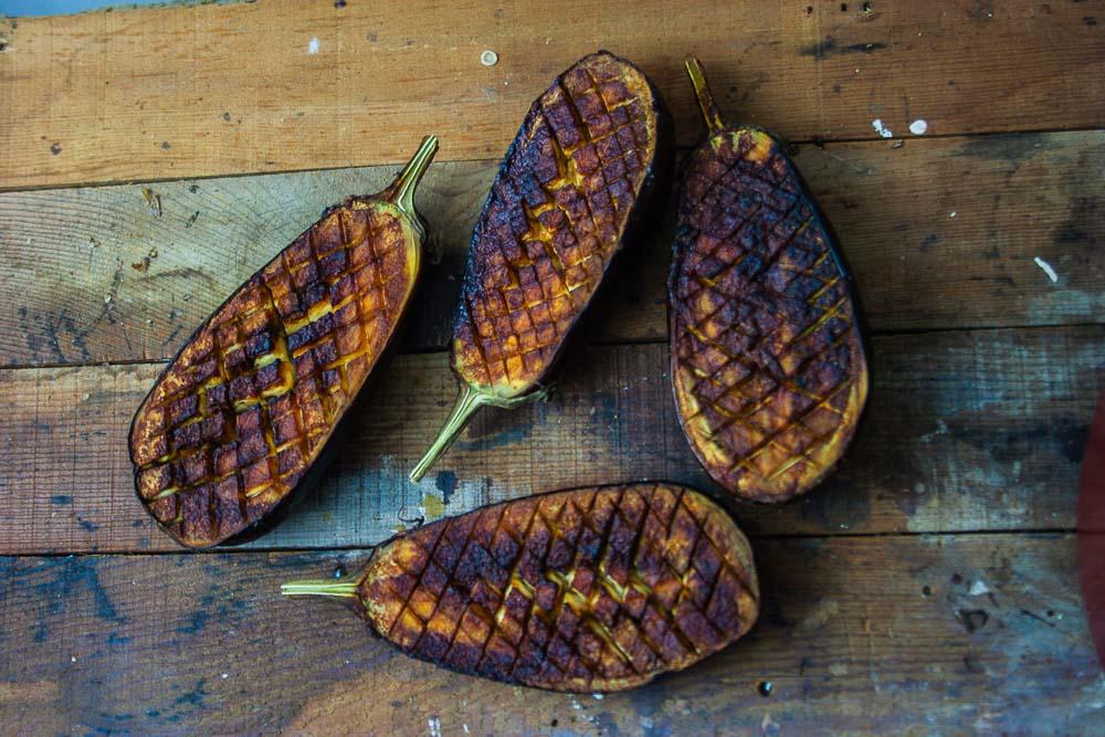 gebackene-aubergine-minze-granatapfel