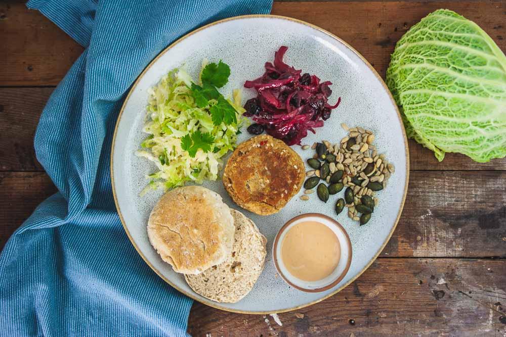 veganer-winter-burger-wirsing-cranberries