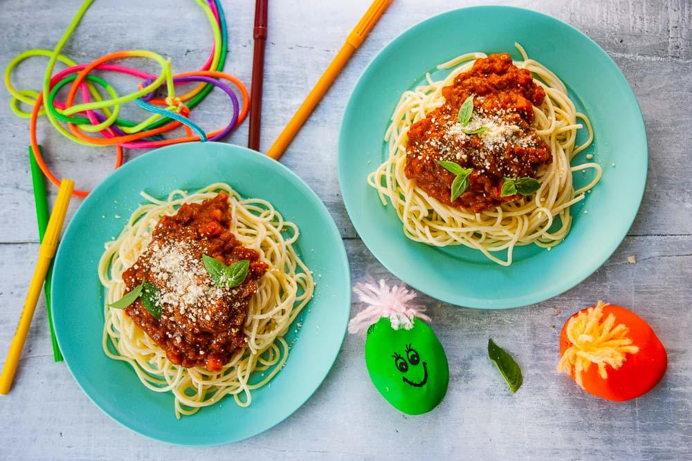 vegane-kinder-linsenbolognese-spaghetti