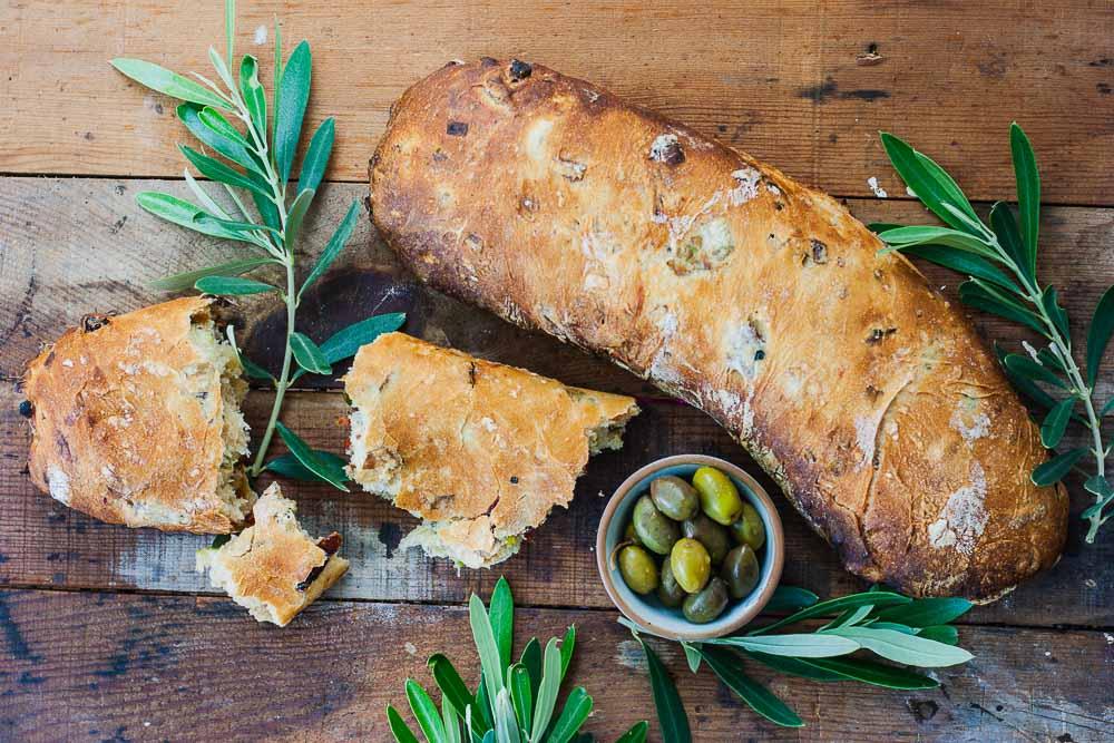 veganes-olivenbrot